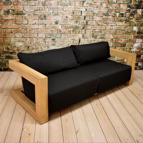 houten lounge bank met zwarte kussens evenementdecoratienl